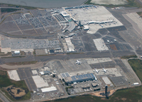 Aerial_view_of_Oakland_International_Airport